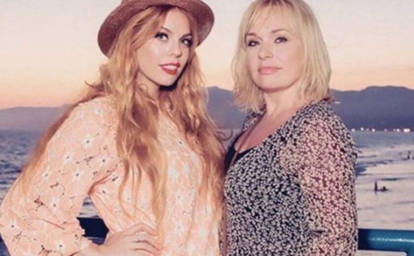 Топ-12: Как выглядят мамы наших знаменитостей