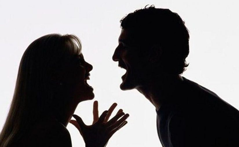«Однажды Учитель спросил учеников: – Почему люди при ссорах повышают голос?» — Очень мудрая притча!